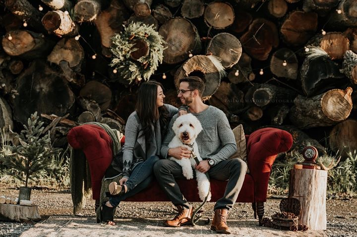 Family & dog fall/holiday photo shoot to benefit shelter dogs at Niagara SPCA