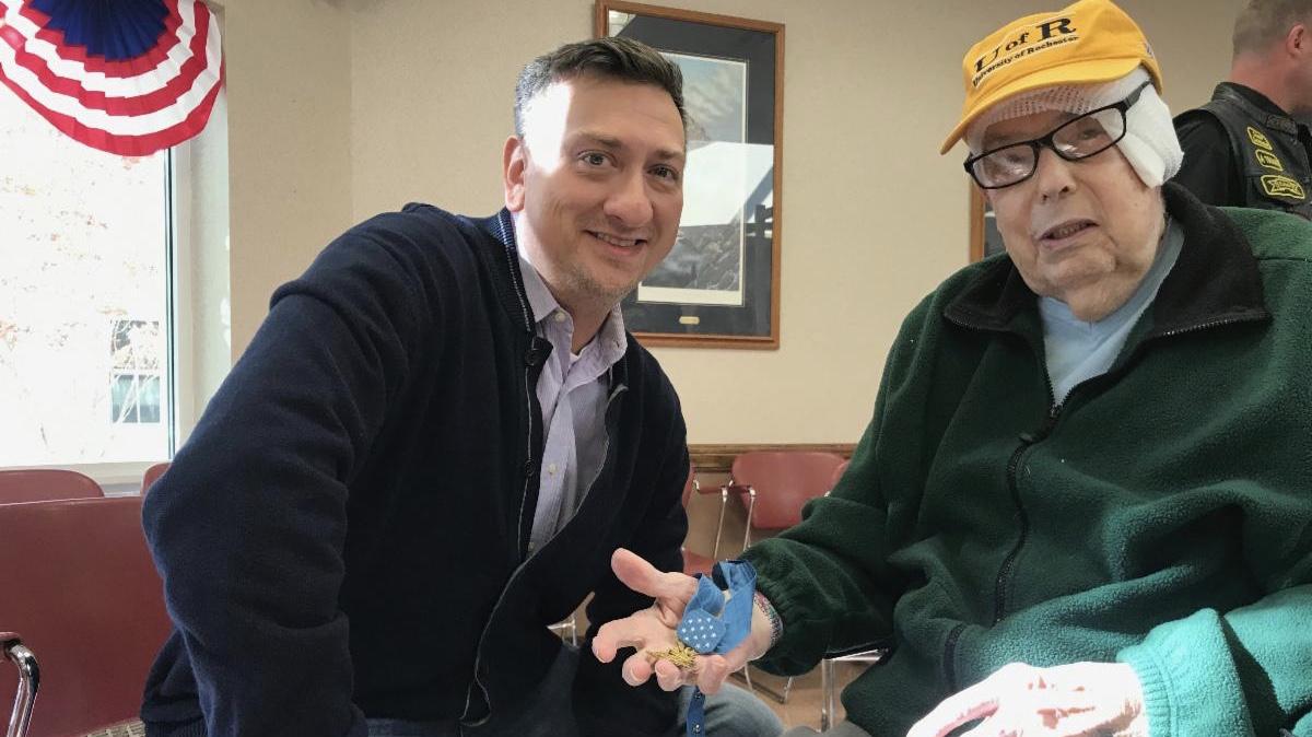 Staff Sergeant David Bellavia helps grant senior wishes