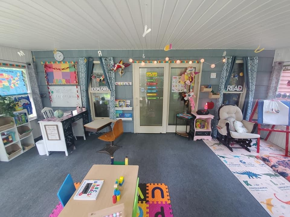 Local mom converts sunroom into a Kindergarten classroom and it's amazing!
