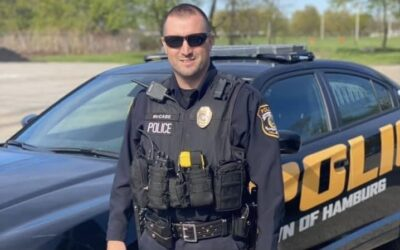 Police officer gets call about a mom who shoplifted, decides to buy her kid's birthday presents